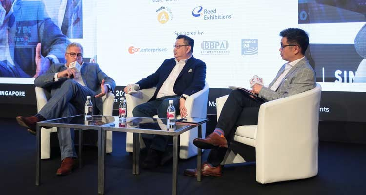 """-Jonathan Spink, CEO, HBO Asia, and Ricky Ow, president of Turner at """"Market leaders: managing change in a dynamic market"""", moderated by Howie Lau, Chief Industry Development Officer, IMDA"""