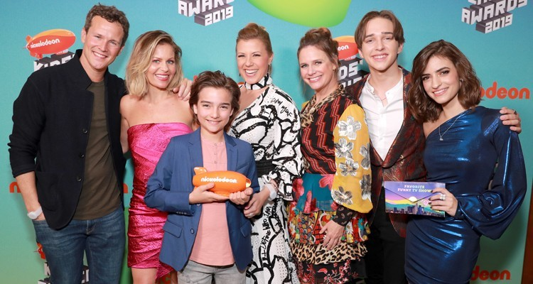 Scott Weinger, Candace Cameron Bure, Elias Harger, Jodie Sweetin, Andrea Barber, Michael Campion y Soni Nicole Bringas
